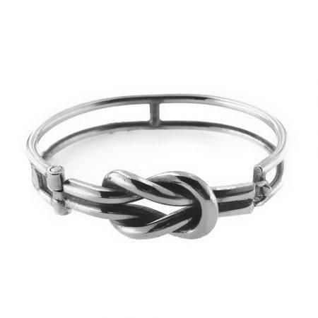 Bracciale in argento con nodo d'amore