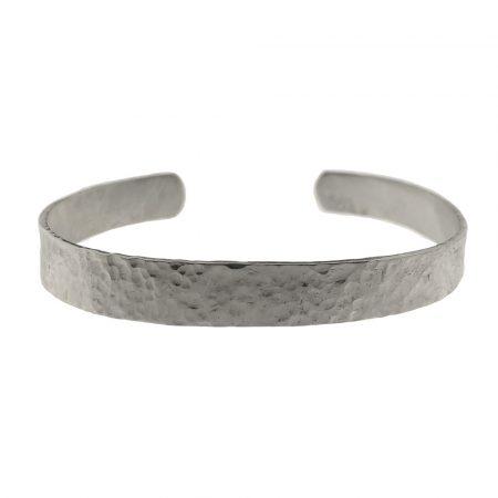 Bracciale a manetta in argento battuto